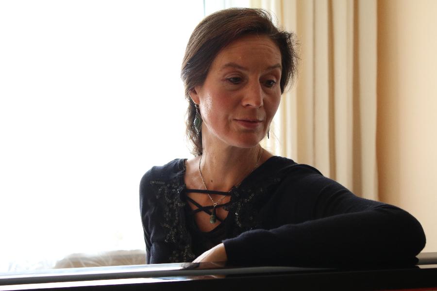 Katharina Bertram am Klavier, 2015